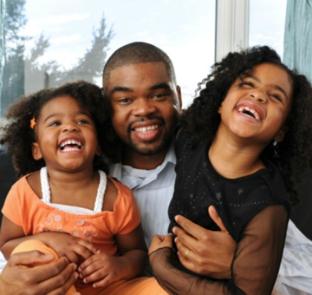 black-dad-and-daughters