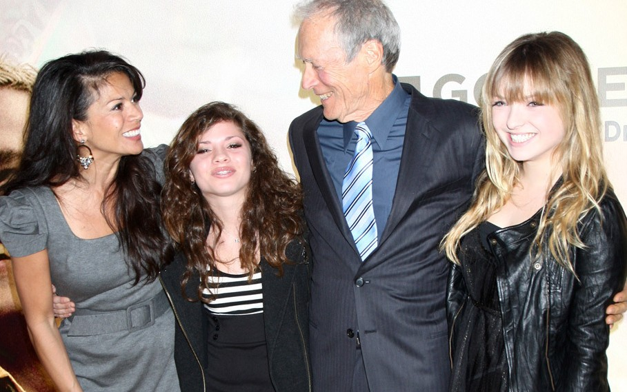 Clint-Eastwood-and-wife-Dina-their-daughter-Morgan-13-and-his-daughter-Francesca-16-in-2010-e1378204630296