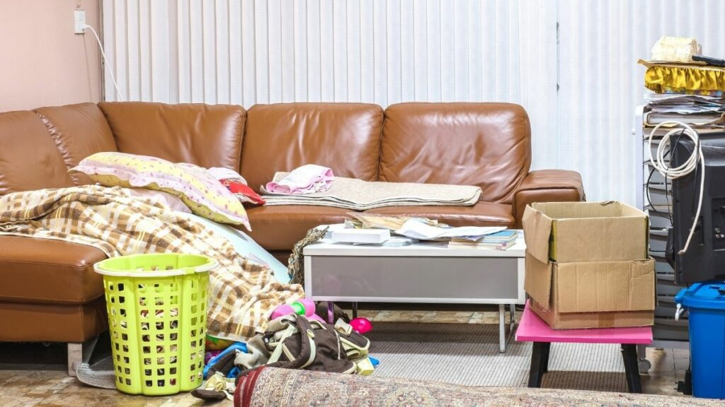 8 Ways To Declutter When You're Overwhelmed With The Mess